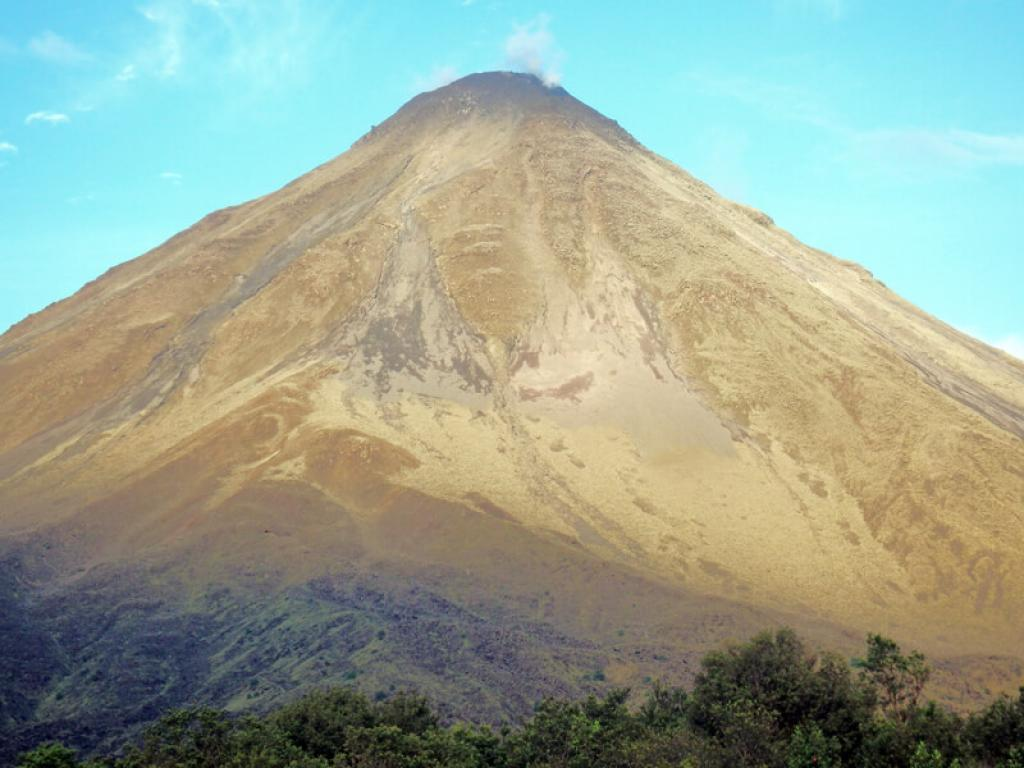 Arenal Park - volcano morning hike