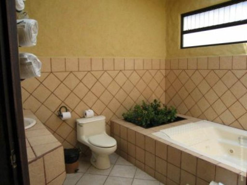 Bathroom Arenal Volcano Inn