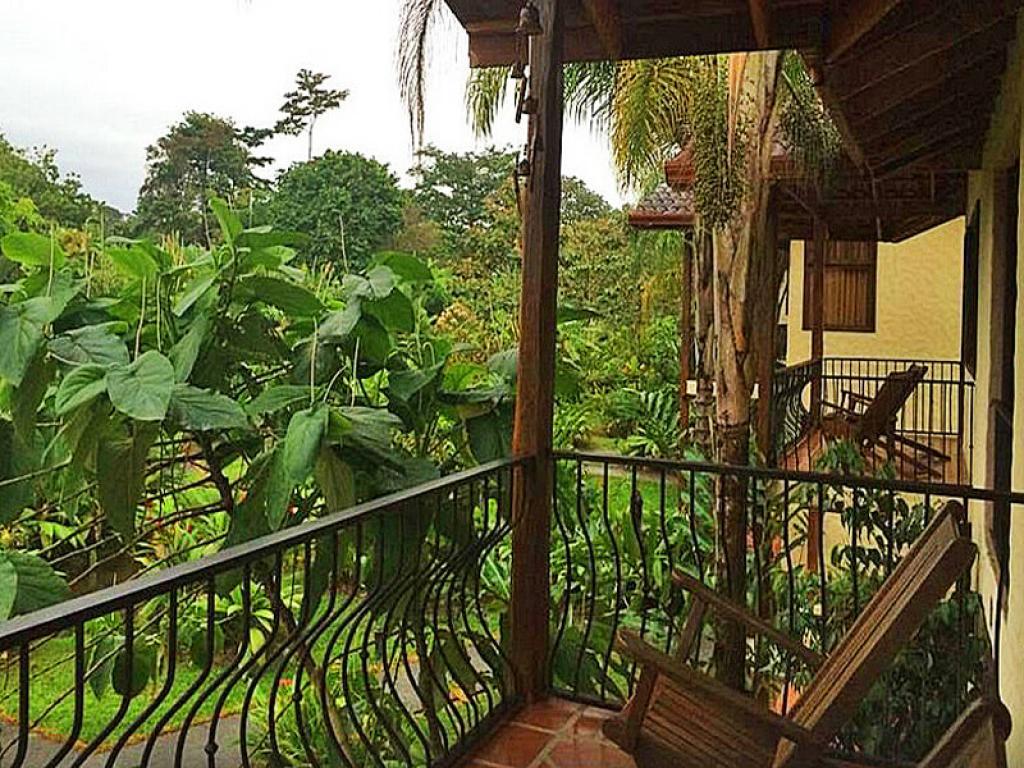 Casa Luna Lodge Balcony