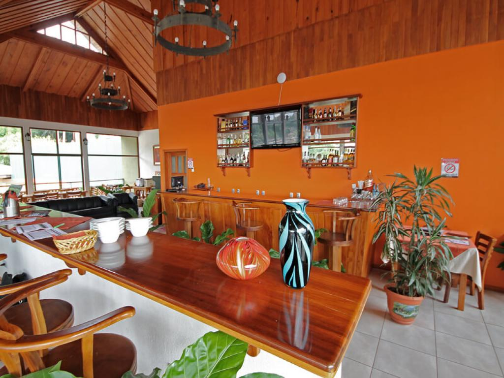 Bar Hotel Ficus Sunset Suites