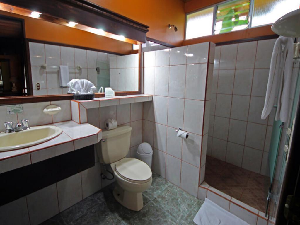 Bathroom Volcano Lodge Hotel