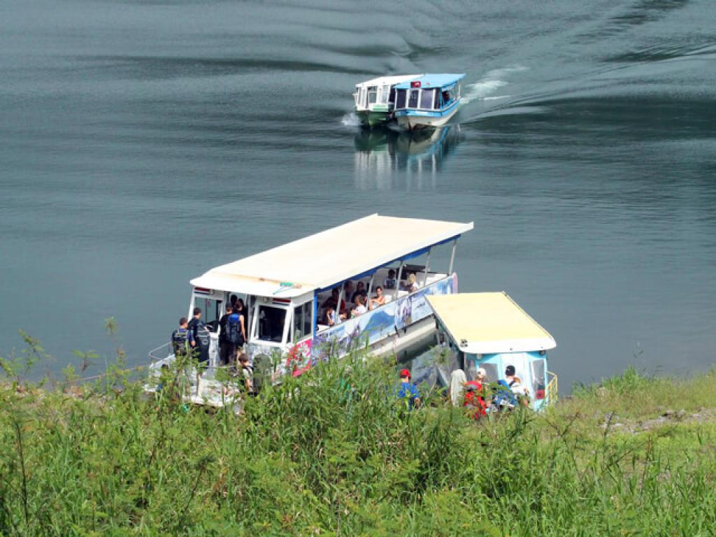 Boats on Arenal Lake for Taxi-Boat-Taxi
