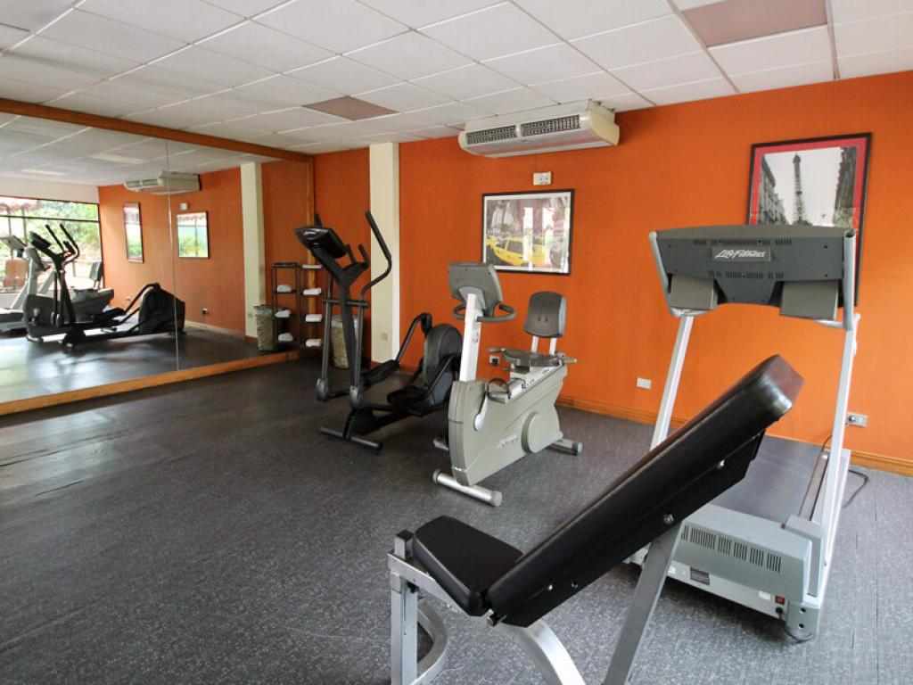 Gym Country Inn and Suites Costa Rica