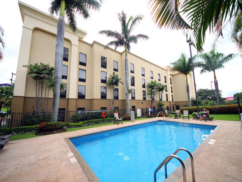 Pool Hampton Inn San Jose Airport Costa Rica