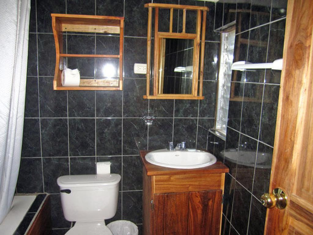 Bathroom Historias Lodge