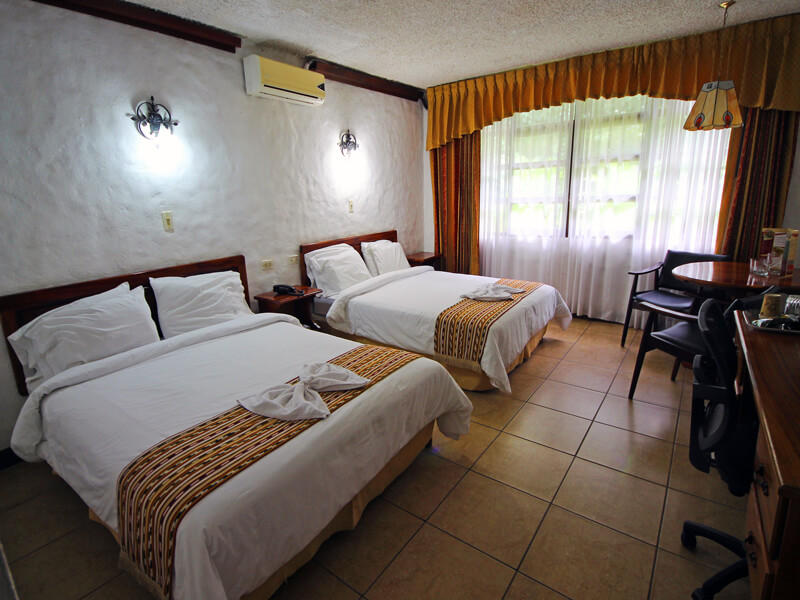 Hotel Aeropuerto Bedroom