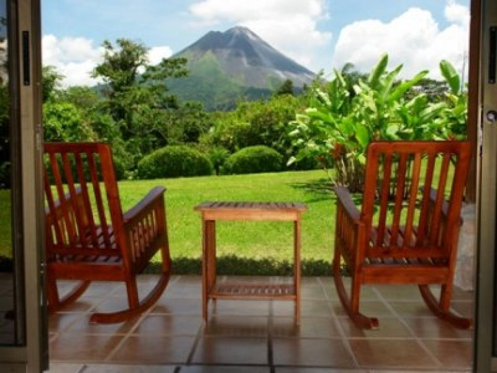 Hotel Arenal Manoa Views