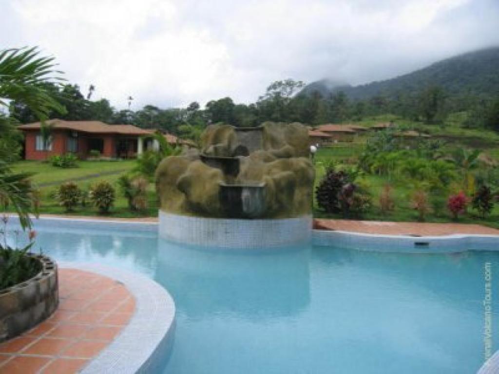 Pool Lomas del Volcan Hotel