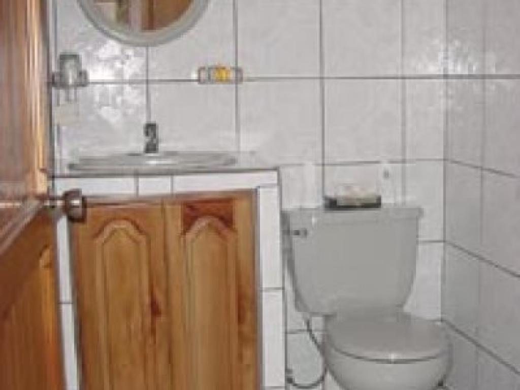 Bathroom Hotel Los Lagos