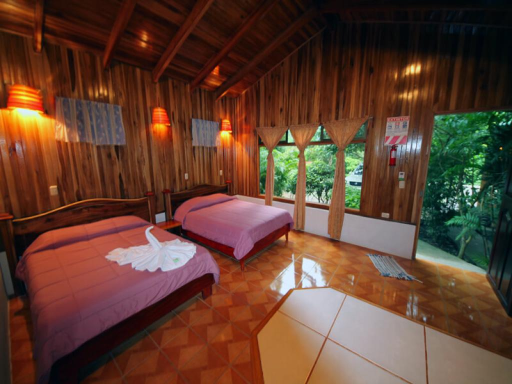 Large family cabins Monteverde Villa Lodge