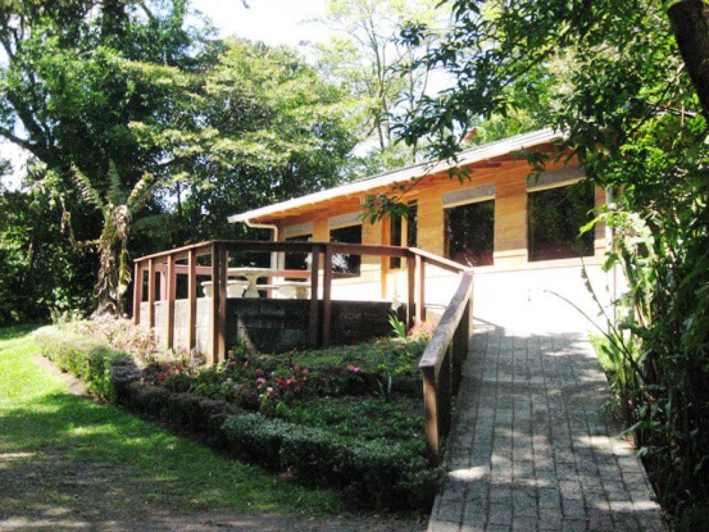 Hotel Cabanas Los Pinos