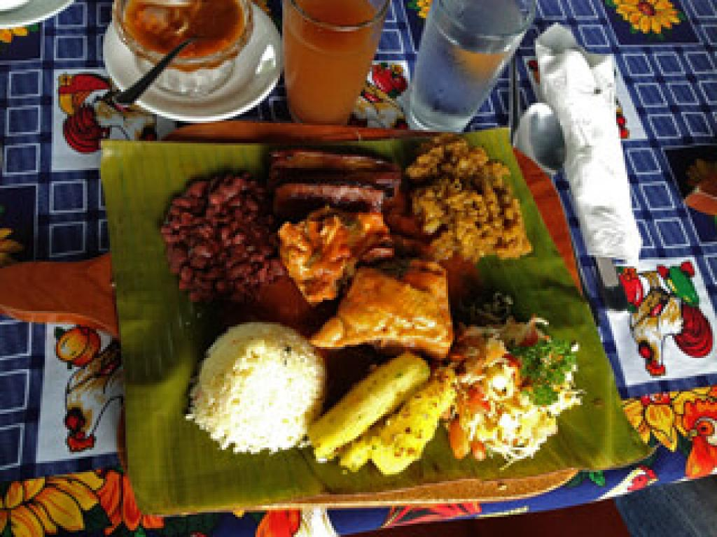 Traditional Lunch Cultour in Arenal