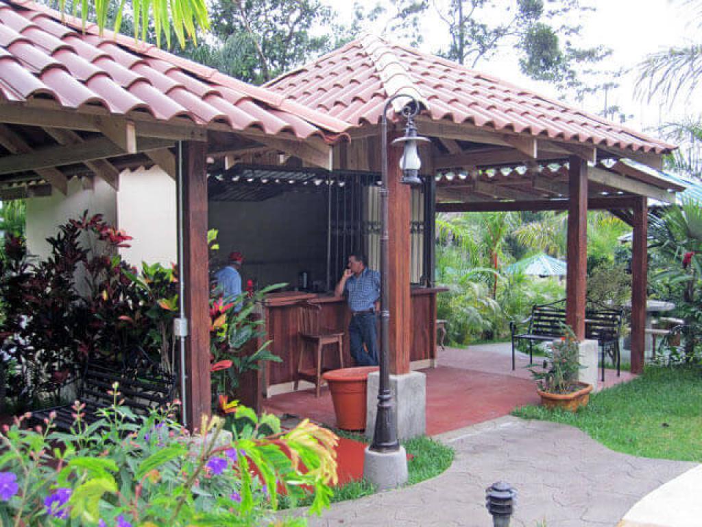 Bar at Paradise Hot Springs