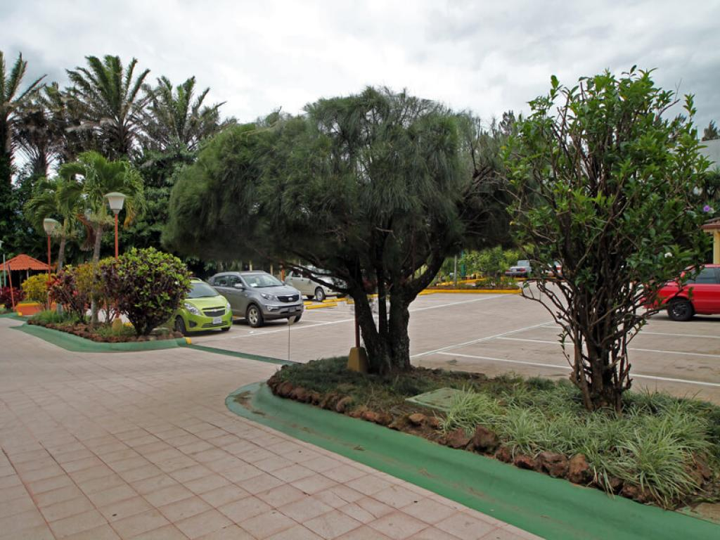 Parking Country Inn and Suites Costa Rica