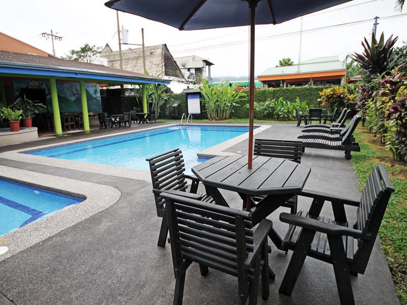 Pool area at San Bosco Inn Arenal