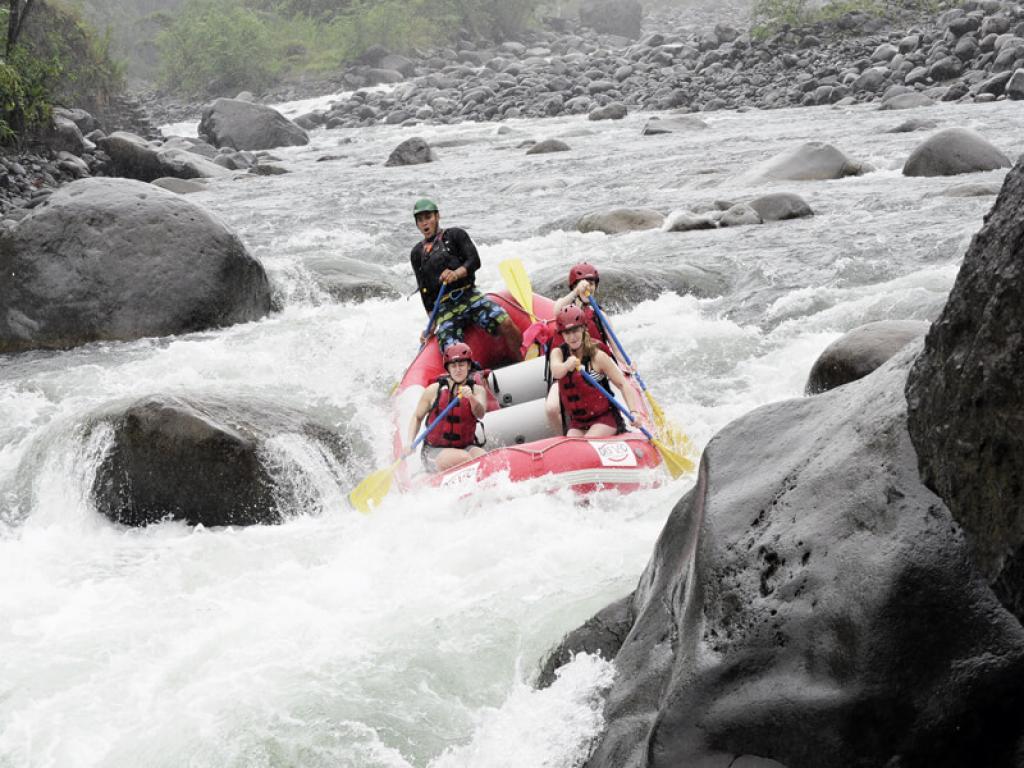 rafting-fun-rio-sarapiqui