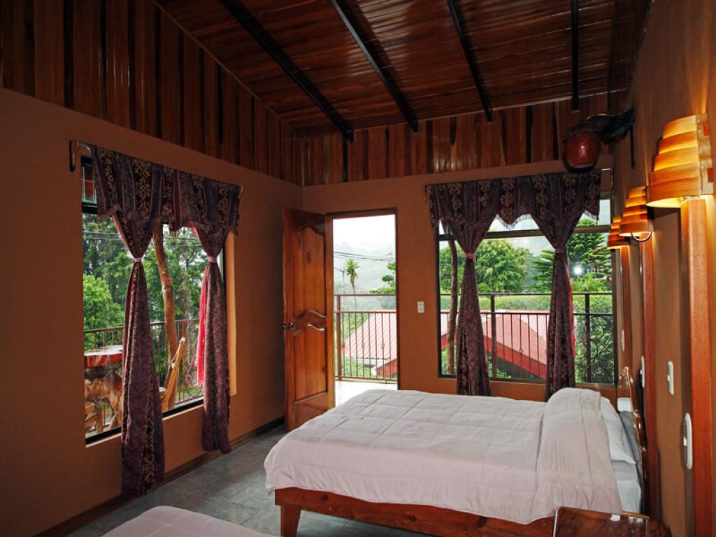 Rooms Rustic Lodge