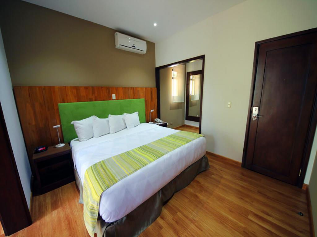 Modern Rooms Country Inn and Suites Costa Rica