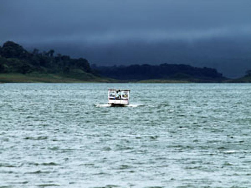 Taxi-boat-taxi Monteverde to Arenal