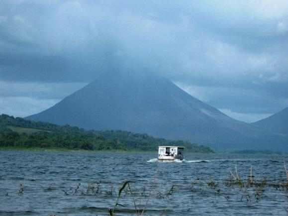Taxi-Boat-Taxi Monteverde to Arenal Volcano
