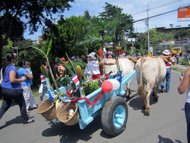 Tradional Parade Monteverde