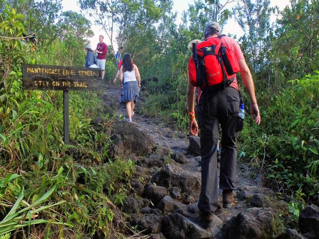 Trails morning hike tour - Arenal Volcano National Park
