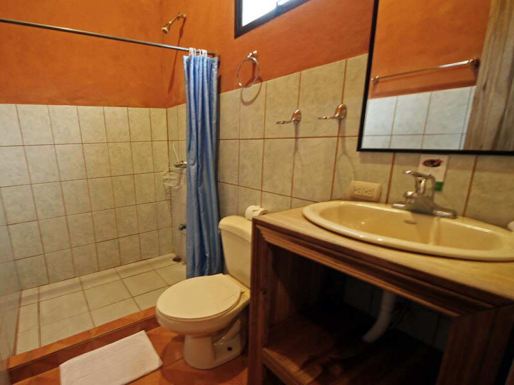 Bathroom Monteverde Villa Lodge