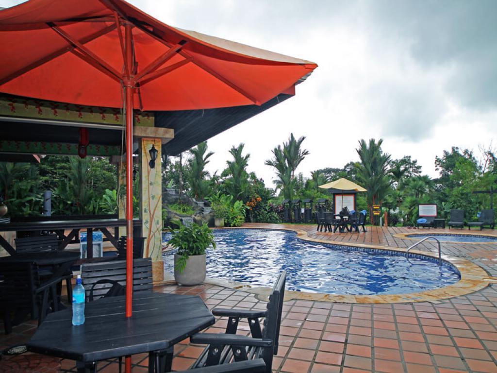 Volcano Lodge Pool