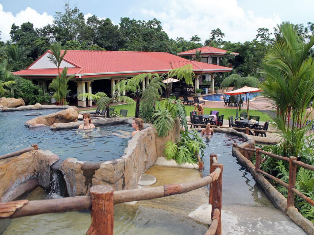 Volcano Lodge and Springs Hotel