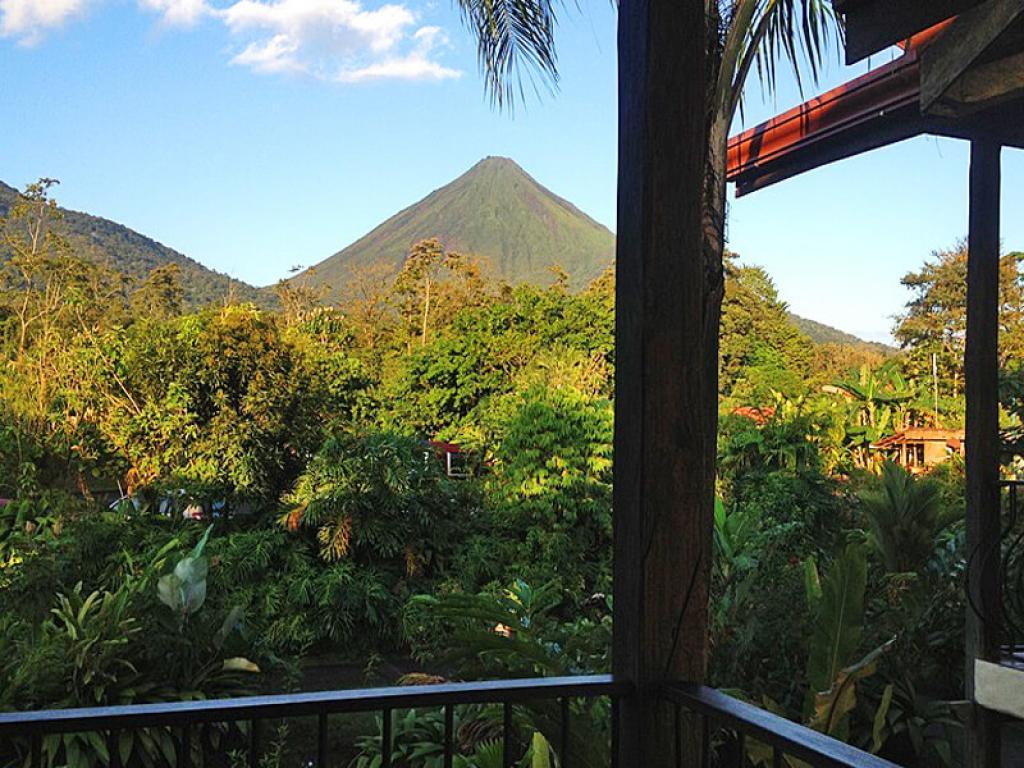 Volcano View Casa Luna Lodge